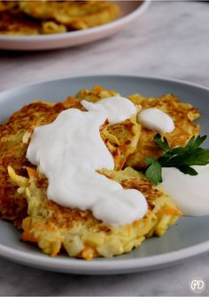 Placki z cukini – Przepis dietetyka Mashed Potatoes, Recipies, Lunch Box, Food And Drink, Appetizers, Cooking Recipes, Yummy Food, Sweets, Pierogi