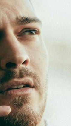 ♥ So handsome. Turkish Men, Turkish Beauty, Turkish Actors, Tv Actors, Actors & Actresses, Sexy Military Men, Portrait Photography Men, Cute Boys Images, Le Male