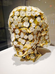 """Ted Noten """"Slow: eleven women and 400 daisies"""", 2010"""
