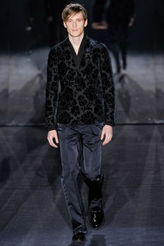fall 2012 menswear  Gucci- how very vampire lestat... <3