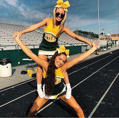 Cheerleading Workouts, Cheerleading Pictures, Cheer Stunts, Cheer Dance, Softball Pics, Cheerleading Outfits, High School Cheerleading, Cheerleading Cheers, College Cheer