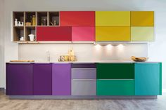 Courageous with colour, kitchen creations that are far from all white alnokitche… – Most Beautiful Furniture Cheap Furniture, Kitchen Furniture, Kitchen Interior, Home Furniture, Furniture Movers, Furniture Layout, Furniture Online, Furniture Companies, Furniture Stores