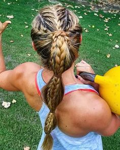 braided sporty ponytail for long hair # Braids for sports lacrosse Get Busy: 40 Sporty Hairstyles for Workout Softball Hairstyles, Athletic Hairstyles, Braided Ponytail Hairstyles, Workout Hairstyles, Cool Hairstyles, Hairstyles Videos, Braid Ponytail, Updo Hairstyle, Wedding Hairstyles