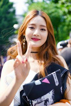 えりさ Kpop Girl Groups, Korean Girl Groups, Kpop Girls, Divas, Oppa Gangnam Style, Soo Jin, Fandoms, Extended Play, Cube Entertainment