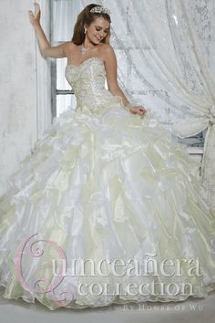 Aliexpress.com   Buy 2016 Sweetheart Quinceanera Dresses Organza Ball Gown  Dresses Sweet 16 Beaded Crystals Ruffles Vestidos De 15 Anos from Reliable  dress ... 9455bbed9878