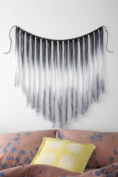 Fade-Out Macrame Wall Hanging