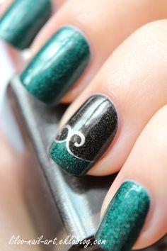 Turquoise nail art