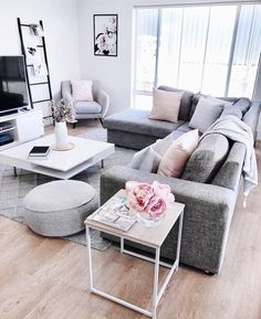the secret of modern living room grey apartment decorati Modern living room grey apartment decor Cozy Living Rooms, Living Room Grey, Living Room Modern, Apartment Living, Living Room Designs, Living Room Decor, Living Room Furniture, Small Living, Apartment Couch