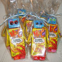 Gifts That Say WOW: Juice Box Robot Craft for class party.  Decorate with hearts.