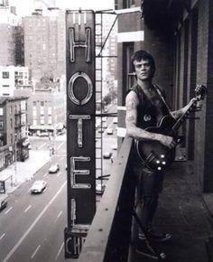 Keith Green, Dee Dee Ramone on Chelsea Hotel balcony Photograph. Courtesy of Keith Green. Pop Rock, Rock N Roll, Keith Green, Hey Ho Lets Go, Chelsea Hotel, Chelsea Nyc, Dee Dee, Ramones, Music Icon