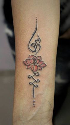 If you are looking for modern om tattoo designs or ideas for your next tattoo. you must see these beautiful ohm tattoo designs and get your tattoo ideas. Unalome Tattoo, Hindi Tattoo, Om Symbol Tattoo, Ohm Tattoo, Armband Tattoo, Sternum Tattoo, Tattoos Motive, Yoga Tattoos, New Tattoos