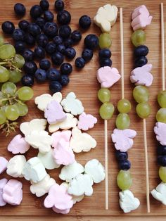 Fruit skewers with bunny marshmallows for little kiddies Easter parties #easter