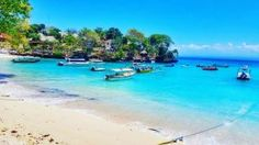 Nusa Lembongan & Nusa Ceningan Day Trip. Top spots to check out! Instagram photo cred: @theintrovertsjourney