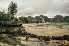 Tauchen und Schlafen auf Koh Phi Phi. - ichpackemeinenkoffer.at River, Outdoor, Diving, Outdoors, Outdoor Games, Outdoor Living, Rivers