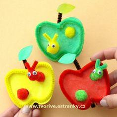 Jablíčka s červíkem