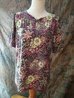 CJ Banks Knit Top Size X Short Sleeve Pretty Floral Print Key Hole Front #CJBanks #KnitTop