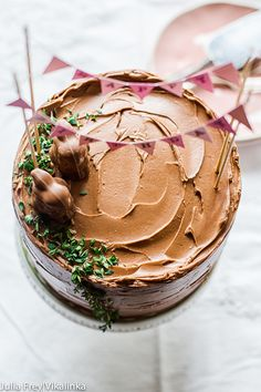 This malted chocolate layer cake is the cake you've been waiting for! Simply the best! Baking Recipes, Cake Recipes, Dessert Recipes, Chocolate Desserts, Choco Chocolate, Easter Recipes, Cupcake Cakes, Cupcakes, Bundt Cakes