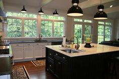 Back in Black: classic kitchen accents