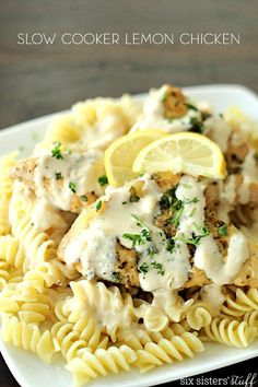 Slow Cooker Creamy Lemon Chicken on SixSistersStuff | This dinner recipe is fresh, light, and the sauce that you drizzle on top is amazing!! This is a dinner the whole family will love!