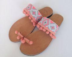 Boheemse multicolor Spartaanse sandalen van Ilgattohandmade op Etsy