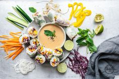 Vegane Sommerrollen mit Erdnussdip