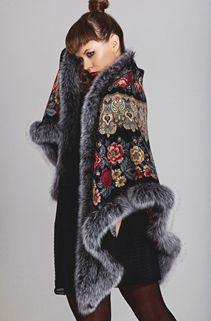 runway knitwear drape shawl coat with fur trim detail Quirky Fashion, Love Fashion, Winter Fashion, Kimono Fashion, Hijab Fashion, Fashion Outfits, Beautiful Outfits, Cute Outfits, Russian Fashion