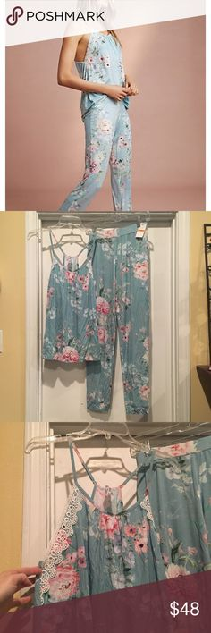 Flora Nikrooz floral knit pajama Knit pajama from Flora Nikrooz. Tank has crochet lace down the sides and flowy fit. Tapered leg pant with flat front elastic waistband gives really great fit. Size small. New with tags - brand new, never worn. Flora Nikrooz Intimates & Sleepwear Pajamas