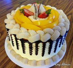 Husband Birthday Parties, Cake Decorating Frosting, Amazing Chocolate Cake Recipe, Surprise Cake, Cake Decorating Techniques, Girl Cakes, Vegan Dinners, Beautiful Cakes, Cake Designs