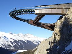 The Glacier Skywalk, Jasper National Park in the Canadian Rockies - lav-architecture