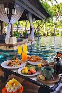 70 Best Honeymoon Destinations In 2019 - Travel Reisen Путешествия - Flitterwochen Bali Resort, Popular Honeymoon Destinations, Travel Destinations, Honeymoon Ideas, Bali Honeymoon, Honeymoon Budget, Honeymoon Essentials, Bora Bora Honeymoon, Caribbean Honeymoon