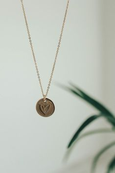 Lovestruck Disc necklace in Gold | Mother's Day gift idea