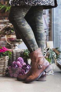 High-Heel in Rot mit zwei Looks - Paul Green Dna, Pumps, Must Haves, Riding Boots, Autumn Fashion, High Heels, Ankle, Shoes, Paul Green Shoes