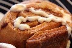 Cinnamon roll glaseado