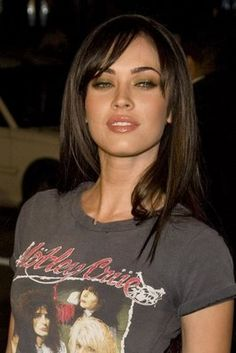megan fox hair cut and color Hairstyles With Bangs, Pretty Hairstyles, Straight Hairstyles, Haircuts For Long Hair With Bangs, Medium Hairstyles, Updo Hairstyle, Megan Fox Hair Color, Hair Photo, Great Hair