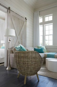 Florida Home Decorating Ideas Inspirational Florida Beach House with New Coastal Design Ideas Home Bunch An. Coastal Bedrooms, Coastal Living Rooms, Living Room Interior, Home Interior Design, Interior Ideas, Coastal Bedding, Beach Cottage Bedrooms, Coastal Living Magazine, Coastal Curtains