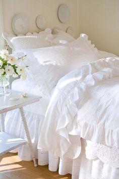 Crisp white linens - so pretty.