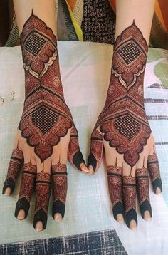 Are you looking for some fascinating design for mehndi? Or need a tutorial to become a perfect mehndi artist? Dulhan Mehndi Designs, Rajasthani Mehndi Designs, Arabic Bridal Mehndi Designs, Mehndi Designs Finger, Floral Henna Designs, Mehndi Designs Book, Back Hand Mehndi Designs, Mehndi Designs 2018, Mehndi Designs For Girls