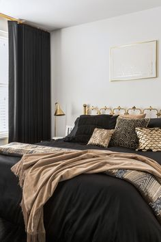You can't get more glamorous than black and gold in the bedroom and the new Golden Age trend lets you recreate this Art Deco inspired look in your own home Bedroom decor Luxury Black and Gold Bedroom Grey And Gold Bedroom, Black Bedroom Decor, Art Deco Bedroom, Room Ideas Bedroom, Home Bedroom, Black And Gold Living Room, Black Bedroom Design, Black Bedroom Furniture, Glam Bedroom