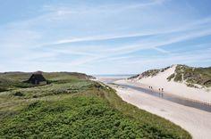 """Der Name """"Henne Strand"""" leitet sich von dem Fluss """"Henne Mølle Å"""" her."""