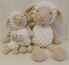 Crochet Giraffe Pattern, Crochet Sheep, Crochet Patterns Amigurumi, Cute Crochet, Crochet Animals, Crochet Dolls, Crochet Baby, Holiday Crochet, Crochet Gifts