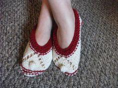 Hey, j'ai trouvé ce super article sur Etsy, chez https://www.etsy.com/ca-fr/listing/218728388/rouge-et-blanc-chaussons-chaussures