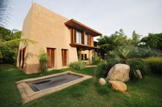 Retreat in the South-Indian Countryside / Mancini,© mancini enterprises Best Trampoline, Backyard Trampoline, Farm Villa, Outdoor Landscaping, Outdoor Decor, Modern Barn House, Bamboo House, Landscape Materials, Indian Homes