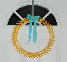 Wreath made of spoons.  Not sure I will ever make this, but think it is pretty cool.
