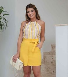 Printed top and yellow skirt Classy Outfits, Cool Outfits, Summer Outfits, Casual Outfits, Fashion Outfits, Nice Dresses, Short Dresses, Fashion Corner, Elegant Outfit