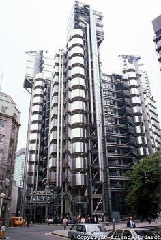 Richard Rogers Architects, Lloyds of London. London England. 1978-1986