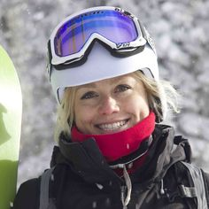 Neck gaiter style name: Ski Patrol This dual layer, reversible black and red fleece Powpow® neck gaiter, neck gaiter helps you stay warm in the cold or snow. The soft fleece and stretch materials are