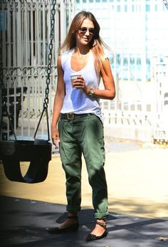 Jessica Alba, like this casual look