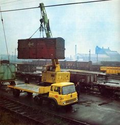 Great old photo, a scene straight from my childhood when going with my father at the lower yard St botolphs, Colchester although that's not this picture. same crane same truck. Cool Trucks, Big Trucks, Bedford Truck, Old Lorries, British Rail, Rolling Stock, Model Train Layouts, Commercial Vehicle, Vintage Trucks