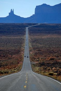 Monument Valley, Arizona, USA (by Jono Hey)