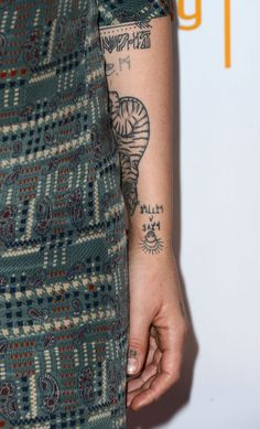 "Jemima Kirke Photos Photos: The Television Academy Presents An Evening With ""Girls"" Dream Tattoos, Body Art Tattoos, Hand Tattoos, I Tattoo, Pretty Tattoos, Beautiful Tattoos, Jemima Kirke Tattoos, Girls Hbo, Minimal Tattoo"